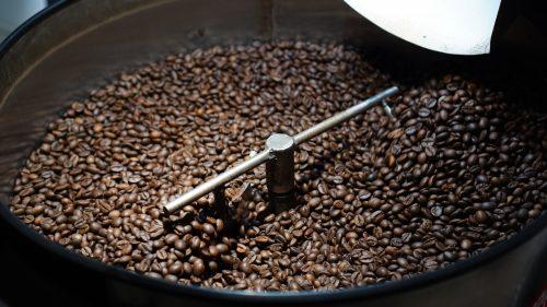 Memanggang kopi